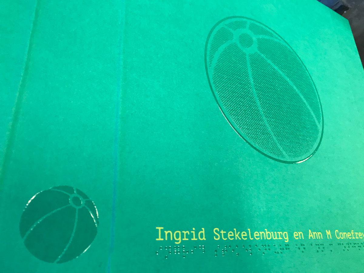 Relief lak voor braille boek